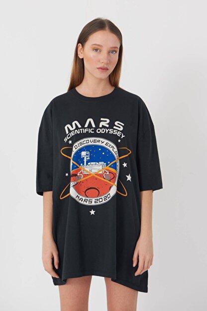 Addax Kadın Füme Baskılı Oversize T-Shirt P9411 - U2 Adx-0000022043