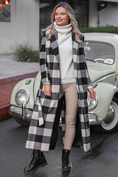 Chiccy Kadın Siyah-Ekru Klasik Ceket Yakalı Ekose Cepli Astarlı Yırtmaçlı Uzun Kaşe Kaban M10210200KA99841