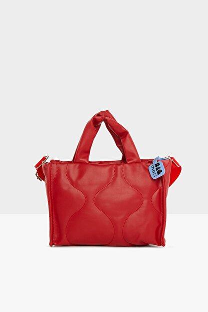 Bagmori Kadın Kırmızı  Oval Nakışlı Puf Şişme Çanta M000005405