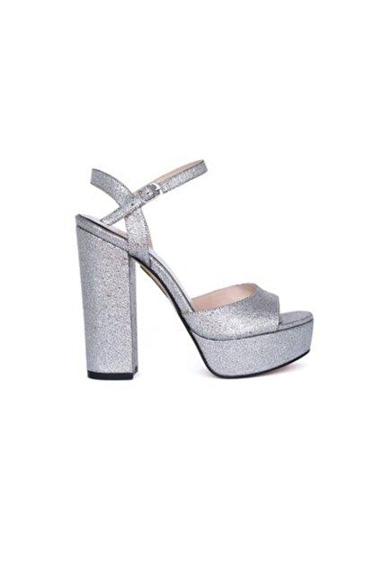 Kemal Tanca Kadın Gümüş Ayakkabı