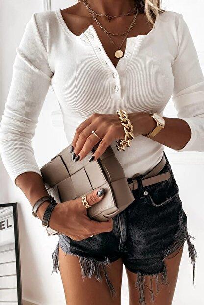 Shezigo Kadın Ekru Düğme Detaylı Kaşkorse Likralı Bluz