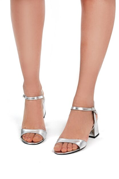 Gökhan Talay Gümüş Rengi Kadın Klasik Topuklu Ayakkabı