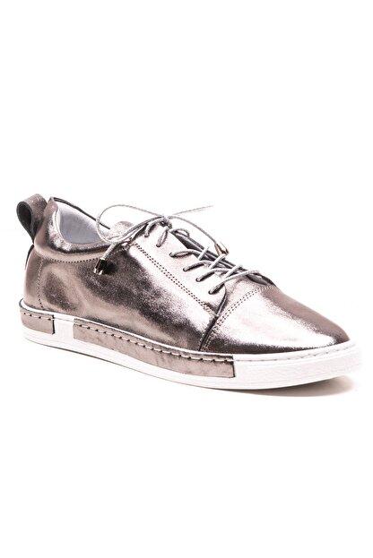 GRADA Kadın Nikel Metalik Deri Parlak Ayakkabı