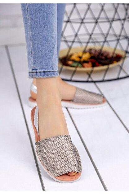 Trendypazar Kadın Vizon Cilt Desenli Sandalet