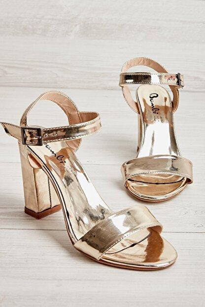 Bambi Altın Kadın Klasik Topuklu Ayakkabı K05503740039