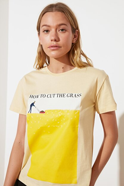 TRENDYOLMİLLA Sarı Semifitted Örme T-Shirt TWOSS21TS2708