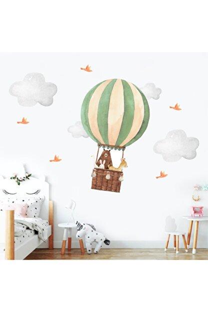 Ender Sevimli Dostlar Ve Uçan Balon Çocuk Odası Duvar Sticker