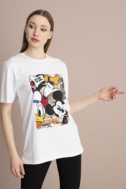 Tena Moda Kadın Beyaz Bisiklet Yaka Renkli Mickey Baskı Tişört