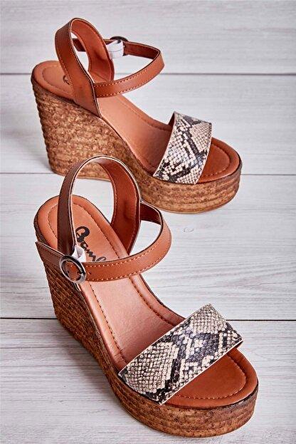 Bambi Bej Kadın Dolgu Topuklu Ayakkabı L0522210007