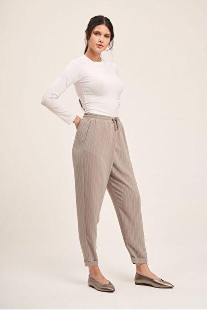Mizalle Bağcıklı Çizgili Pantolon (Gri)