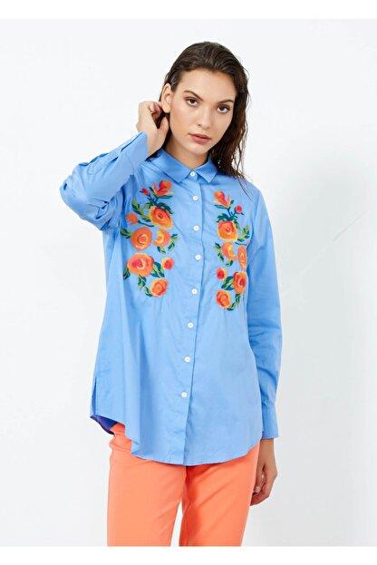 Adze Kadın Mavi Nakış Işlemeli Uzun Kol Gömlek Mavi L