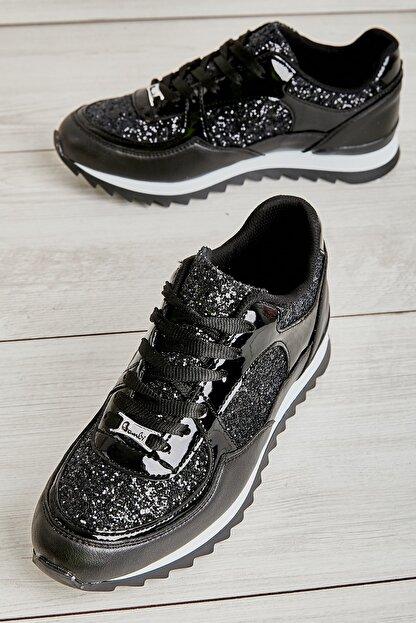 Bambi Siyah Kadın Sneaker L06030561
