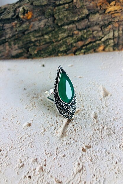 Sungurbey Gümüş Dünyası Damla Model Yeşil Akik Ve Markazit Taşlı Gümüş Bayan Yüzük