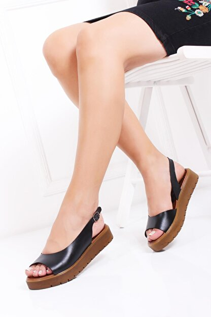 Deripabuc Hakiki Deri Siyah Kadın Deri Sandalet Dp-0094