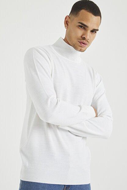 Tarz Cool Erkek Beyaz Erkek Beyaz Yarım Boğazlı Triko Kazak