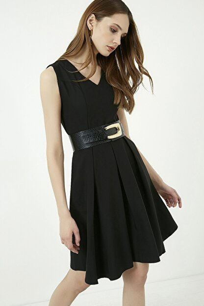 Vis a Vis Kadın Siyah Kolsuz Kloş Elbise