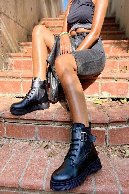 İnan Ayakkabı Bayan Kenarı Lastikli Kenardan Tokalı Bot