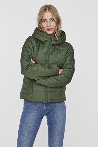 Vero Moda Kadın Yeşil Kapüşonlu Hafif Şişme Mont