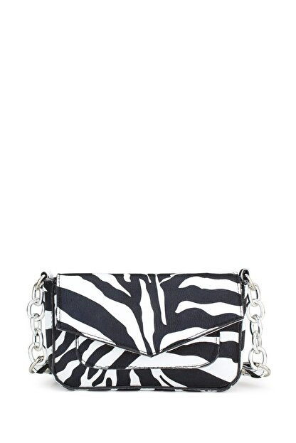 Housebags Kadın Zebra Desenli Zincir Detaylı Çapraz Askılı Çanta 196