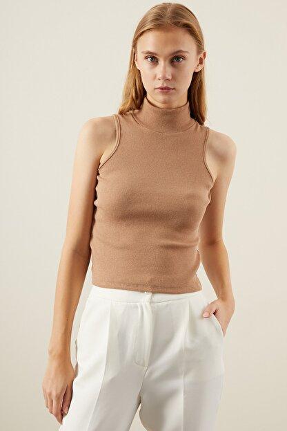 Tena Moda Kadın Bisküvi Kolsuz Balıkçı Yaka Bluz