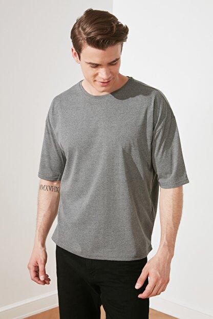 TRENDYOL MAN Antrasit Basic Erkek Bisiklet Yaka Oversize Kısa Kollu T-Shirt TMNSS21TS0811
