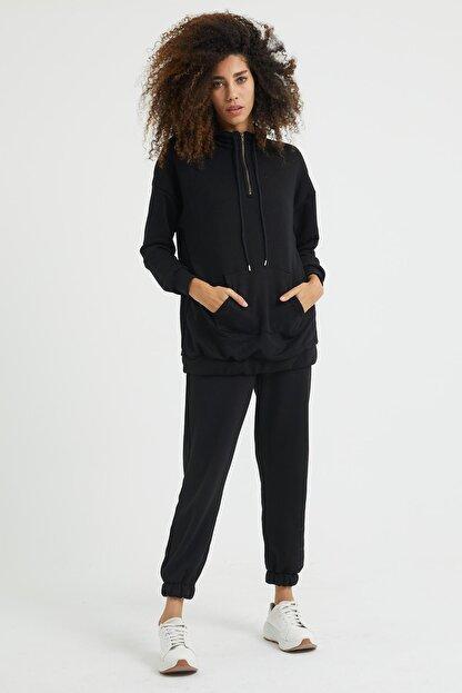 Giyinsende Kadın Siyah Fermuarlı Kanguru Cep Eşofman Takımı