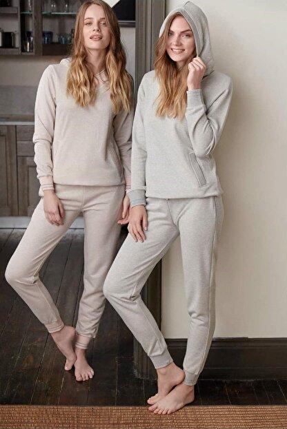 Feyza Kadın Gri Kapüşonlu Manşetli Sim Detaylı Uzun Kollu Pijama Takımı 3345