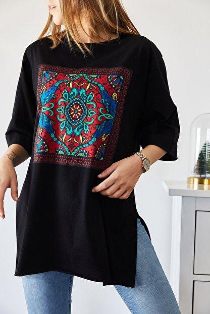XHAN Kadın Siyah Etnik Baskılı Boyfriend Yırtmaçlı T-shirt 9KXK1-43318-02
