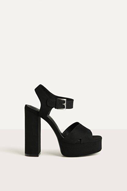 Bershka Kadın Siyah Platform Topuk Sandalet 11702660