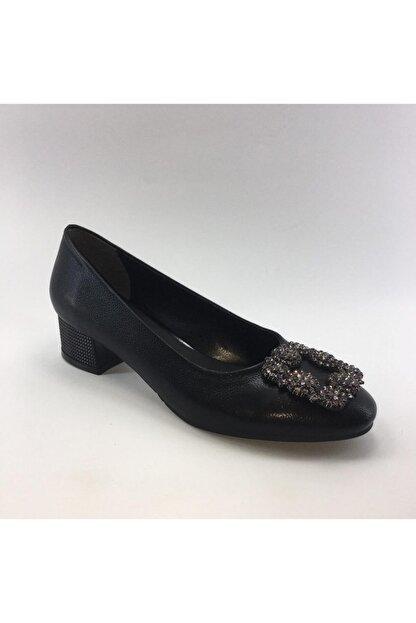 PUNTO Kısa Kalın Topuklu Cilt Deri Kadın Ayakkabısı