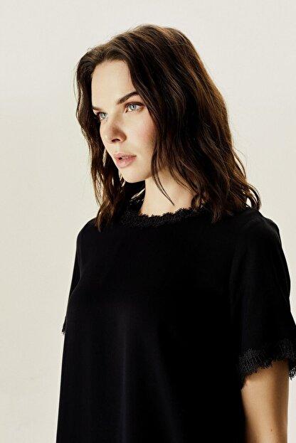 Naramaxx Kadın Siyah Dantelli Bluz