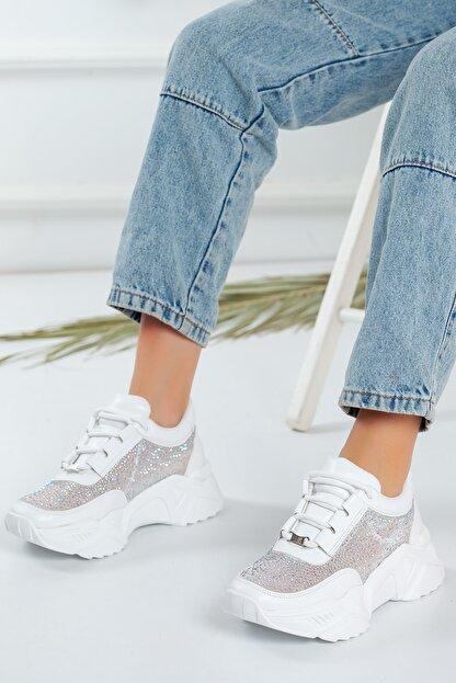 Favi Kadın Beyaz Kalın Taban Taşlı Detaylı Spor Ayakkabı