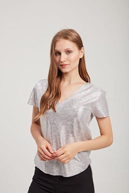 Z GİYİM Kadın V Yaka Parlak Tişört