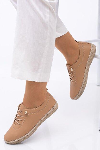 Hoba Kadın Bej Ortopedik Lastik Bağcıklı İçi Deri Alçak Topuklu Günlük Rahat Ayakkabı