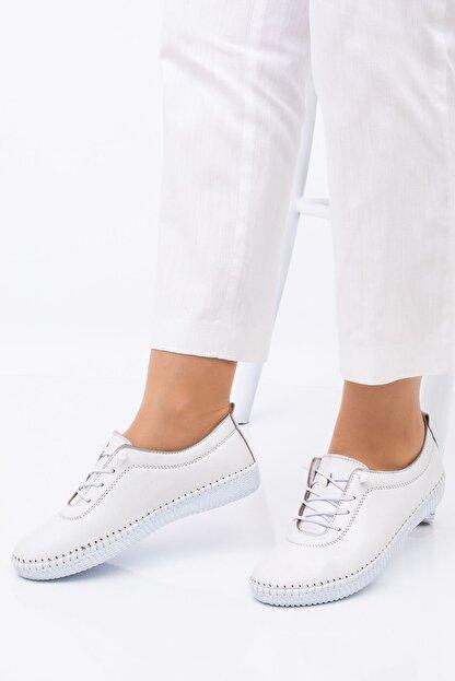 Hoba Kadın Ortopedik Beyaz Lastik Bağcıklı Içi Deri Alçak Topuklu Günlük Rahat Ayakkabı