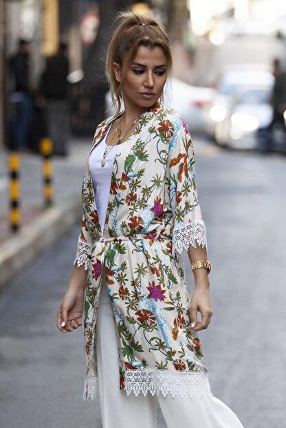 marka perisi Kadın Ekru Çiçek Desen Kimono