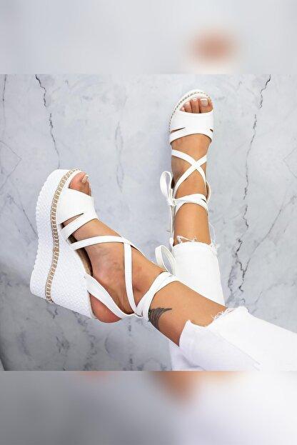 Limoya Shreya Beyaz Yüksek Dolgu Topuklu Bilekten Bağlamalı Sandalet