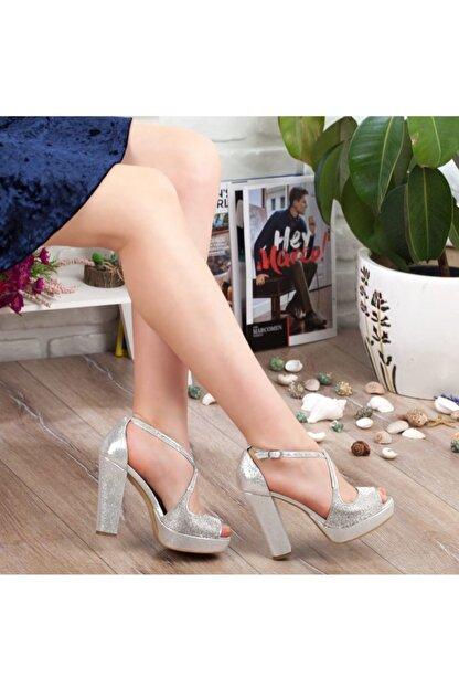 Adım Adım Gümüş Yüksek Topuk Abiye Kadın Ayakkabı • A192ymon0017
