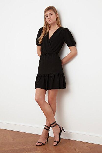 TRENDYOLMİLLA Siyah Asimetrik Yaka Örme Elbise TWOSS21EL0377