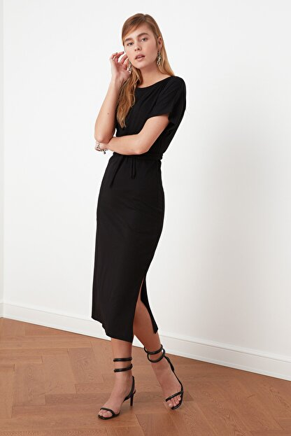 TRENDYOLMİLLA Siyah Bağlama Detaylı Örme Elbise TWOSS21EL0404