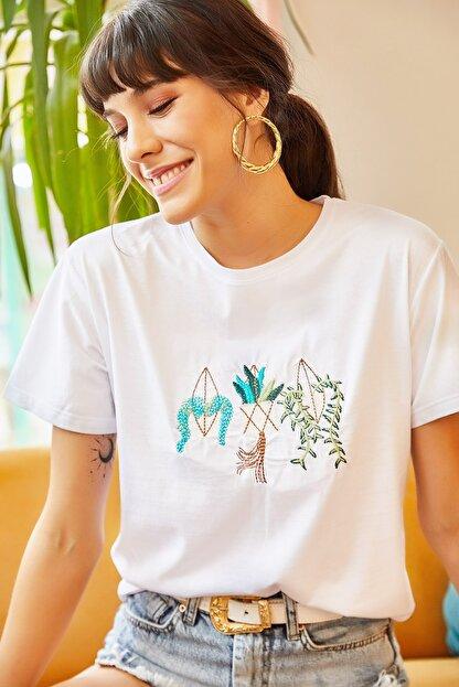 Olalook Kadın Beyaz Saksı Nakışlı Tişört TSH-19000379