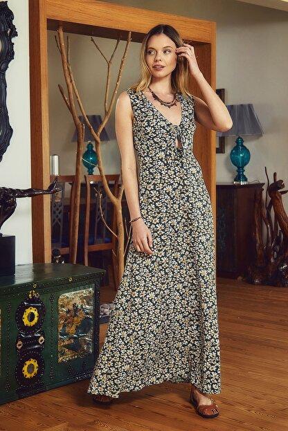 Clandestino Otantik V Yaka Sırt Detaylı Çiçek Desenli Elbise