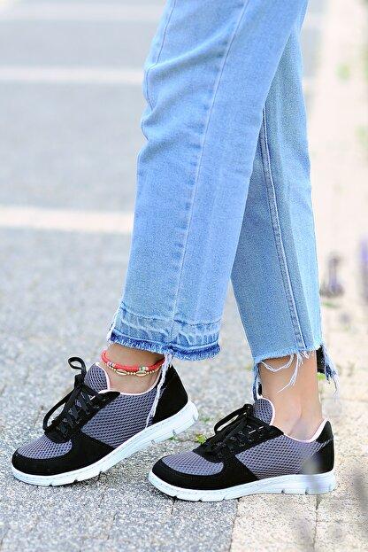 Pembe Potin Kadın Siyah Füme Ayakkabı