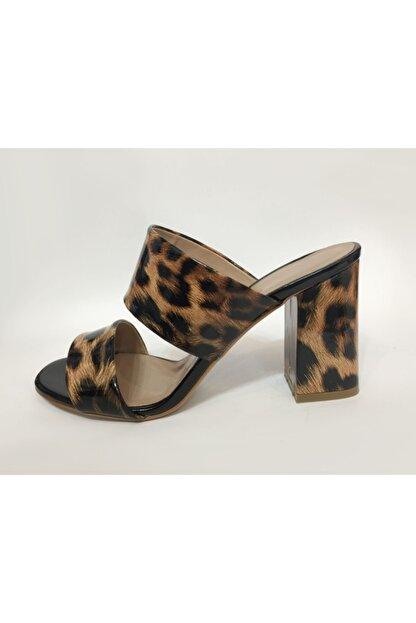 Beyaz Adım Ayakkabı Kadın Leopar Desenli Topuklu Terlik