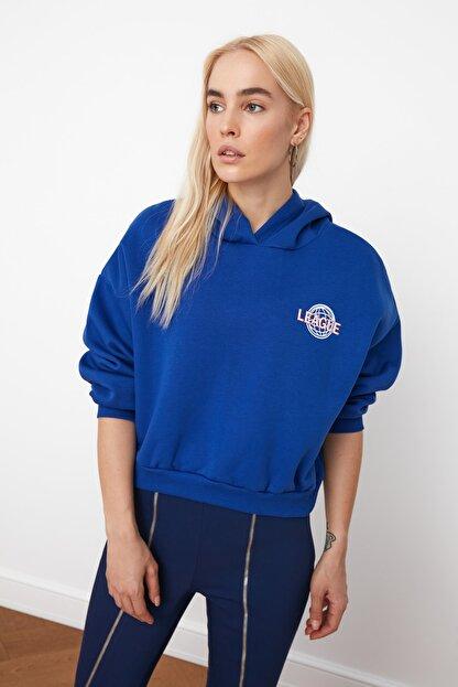 TRENDYOLMİLLA Saks Ön ve Sırt Baskılı Basic Örme Sweatshirt TWOAW21SW0047