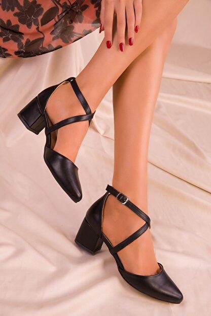 Soho Exclusive Siyah Mat Kadın Klasik Topuklu Ayakkabı 14392