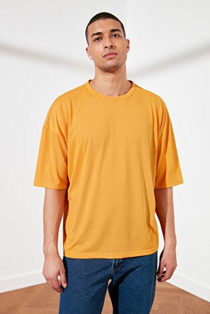 TRENDYOL MAN Turuncu Basic Erkek Oversize Bisiklet Yaka Kısa Kollu T-Shirt TMNSS21TS0811