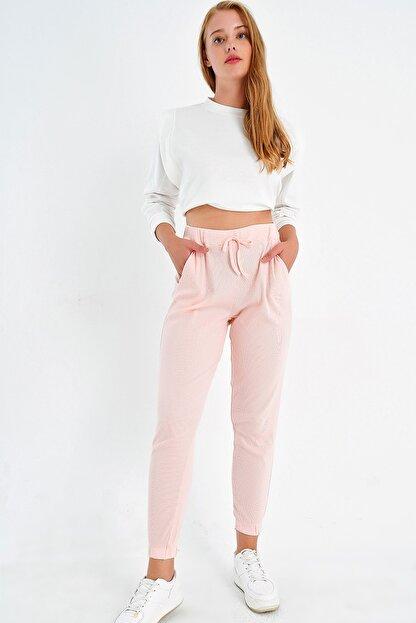 Trend Alaçatı Stili Kadın Açık Pembe Paçası Lastikli İki İplik Eşofman Altı ALC-Y2933