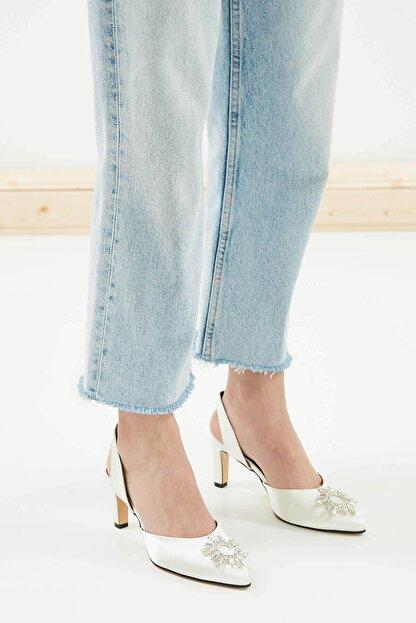 Mio Gusto Kadın Beyaz Kısa Topuklu Taşlı Abiye Ayakkabı