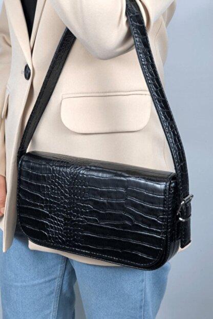 LinaConcept Kadın Siyah Kroko Kapaklı Baget Çanta